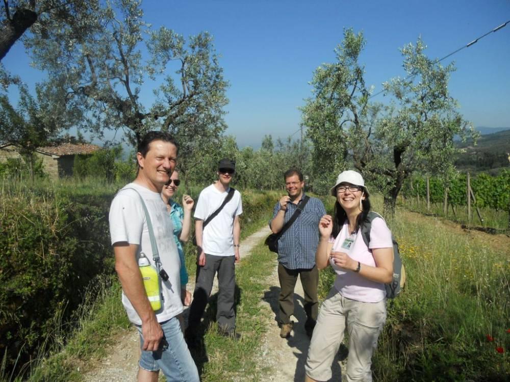 Guida AIGAE (Regione Toscana) Del Negro Michela Via Cerbaia, 73 51035 Lamporecchio (PT) Tel: 0573 82692, 347 8156922 Email Pers. mic.dn@virgilio.it TrekkingSi Educazione ambientaleSi MuseiSi